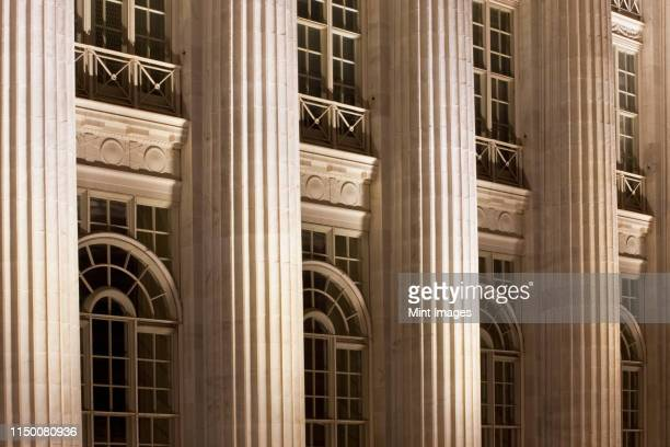 columns on a courthouse building - architectural feature stock pictures, royalty-free photos & images