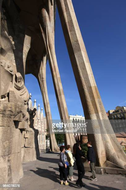 columns outside of basilica sagrada familia - familia stock pictures, royalty-free photos & images