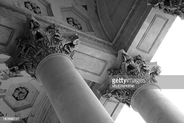 colums of the london stock exchange