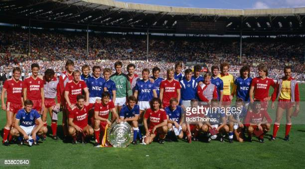 A combined team photograph of Liverpool and Everton after the FA Charity Shield at Wembley Stadium 16th August 1986 The match ended 11 and the teams...