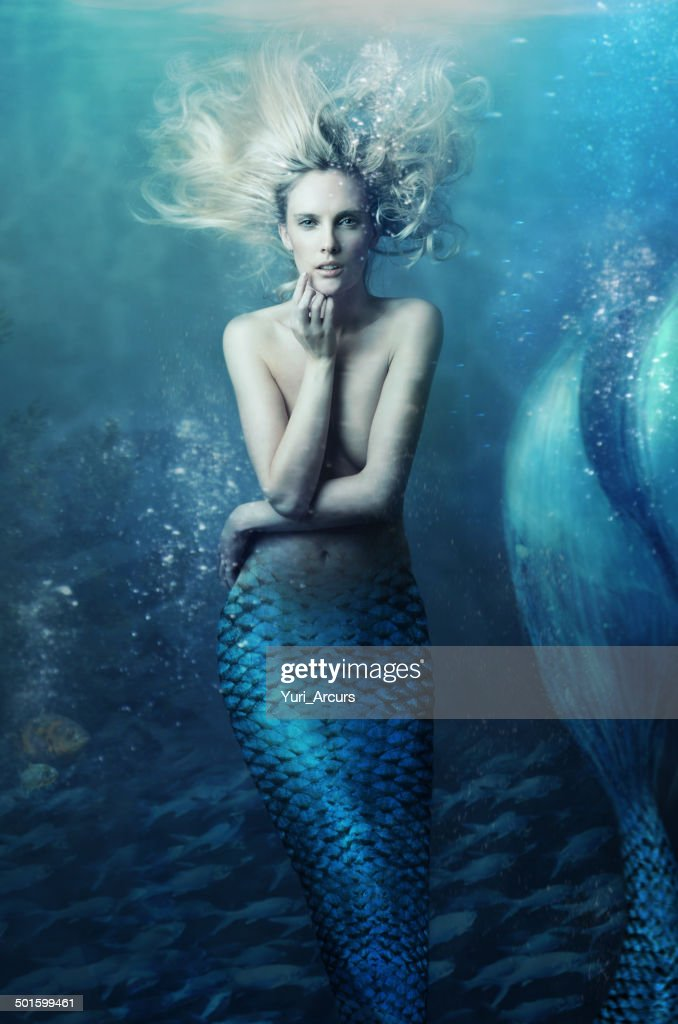 Come join me beneath the waves... : Stock Photo