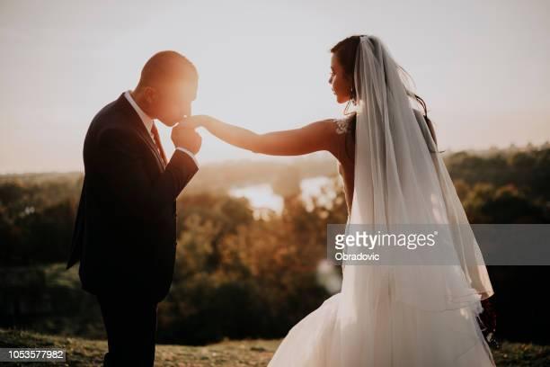 come to write a fairy tale of our lives. - coppia eterosessuale foto e immagini stock