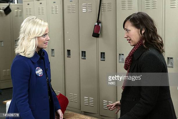 RECREATION Comeback Kid Episode 411 PIctured Amy Poehler as Leslie Knope Rashida Jones as Ann Perkins Photo by Chris Haston/NBC/NBCU Photo Bank