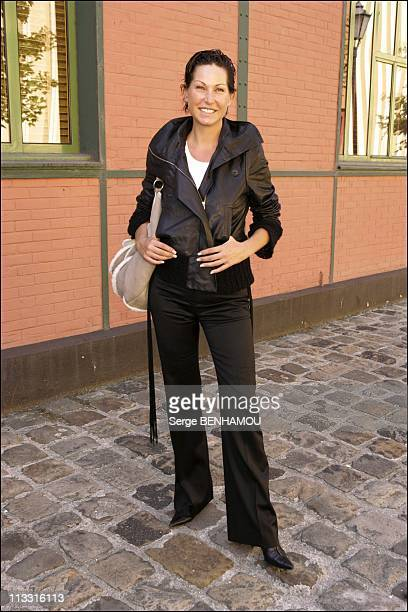 Comeback Presse Conference Of Tf1 On August 29Th 2005 In Paris France Here Evelyne Thomas