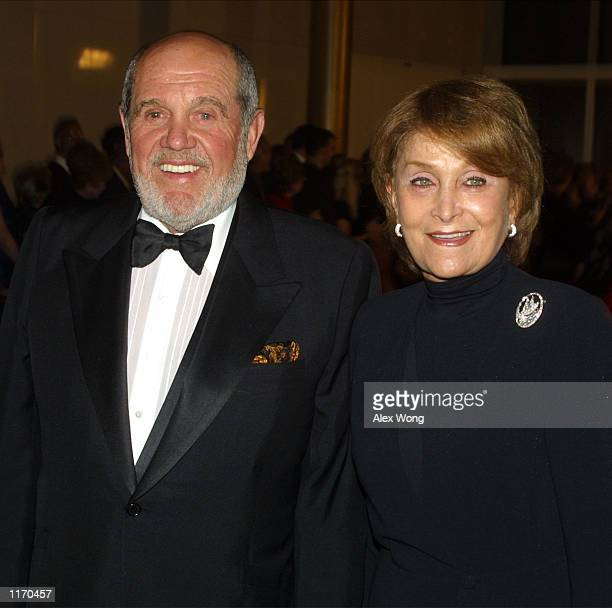 Comedian Alan King arrives with his wife Jeanette at the annual Mark Twain Prize presentation ceremony October 15 2001 at the Kennedy Center in...