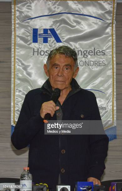 Comedian and actor Hector Suarez speaks at a press conference about a surgery performed on him for his bladder cancer on September 05 in Mexico City