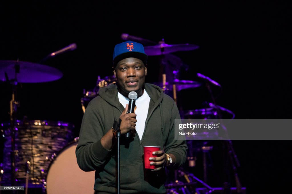 Michael Che Performs At MGM National Harbor : Nieuwsfoto's