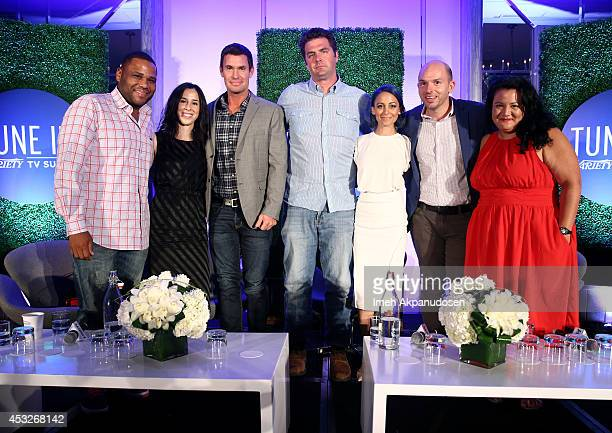 Comedian Anthony Anderson writer Erin Levy TV personality Jeff Lewis novelist Elwood Reid TV personality Nicole Richie comedian Paul Scheer and...