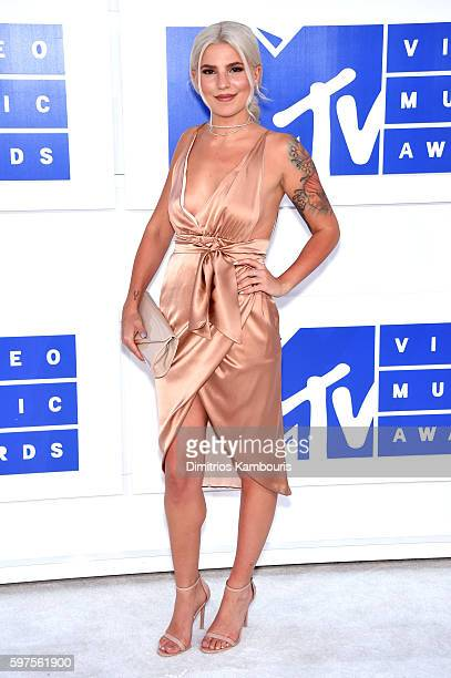 Comedian Carly Aquilino attends the 2016 MTV Video Music Awards at Madison Square Garden on August 28 2016 in New York City