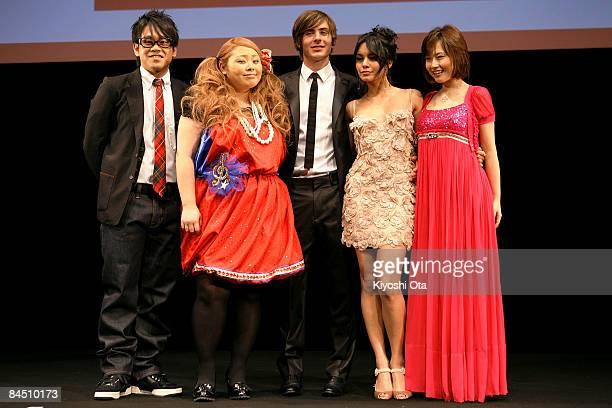 Comedian Daisuke Miyagawa comedian Naomi Watanabe actor Zac Efron actress Vanessa Hudgens and singer and actress Natsumi Abe pose for photographs...