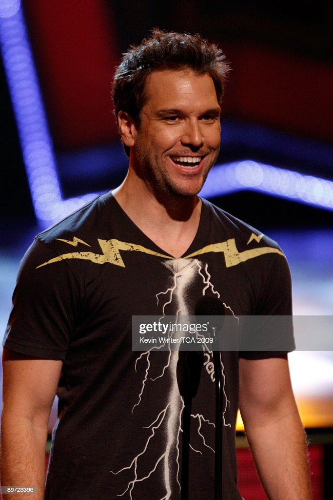 Comedian Dane Cook presents the Choice Hotties award onstage during the 2009 Teen Choice Awards held at Gibson Amphitheatre on August 9, 2009 in Universal City, California.