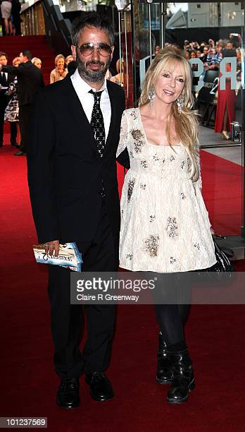 Comedian David Baddiel and his guest arrive at the UK premiere of Sex And The City 2 at Odeon Leicester Square on May 27, 2010 in London, England.