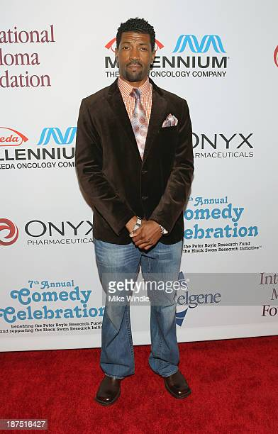 Comedian Deon Cole attends the International Myeloma Foundation's 7th Annual Comedy Celebration Benefiting The Peter Boyle Research Fund hosted by...