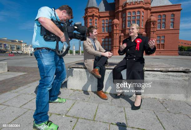 Comedian Eddie Izzard is interviewed by the press while campaigning for the Labour party in Cardiff Bay on May 10 2017 in Cardiff Wales A general...