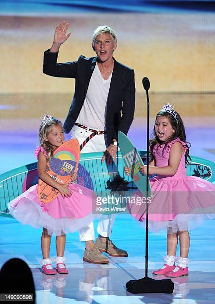 Comedian Ellen DeGeneres with Rosie McClelland and Sophia Grace Brownlee accept the Choice Comedian award onstage during the 2012 Teen Choice Awards...