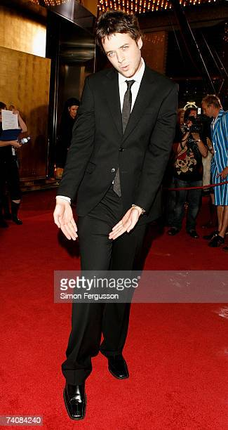 Comedian Hamish Blake arrives at the 2007 TV Week Logie Awards at the Crown Casino on May 6 2007 in Melbourne Australia The annual television awards...