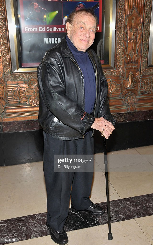 Comedian Jack Carter arrives to the opening night of 'Rain: A Tribute To The Beatles' at The Pantages Theatre on March 31, 2009 in Los Angeles, California.