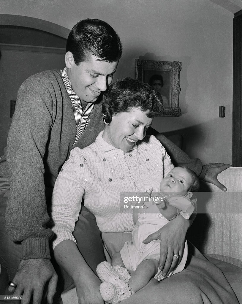 Portrait of Jerry and Patti Lewis with Son : News Photo
