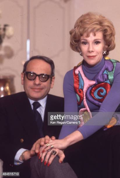 Comedian Joan Rivers and husband Edgar Rosenberg are photographed at home circa 1968 in New York City