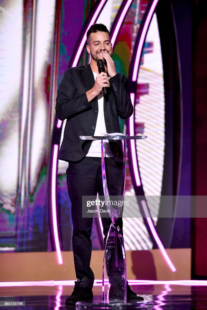 6th Annual KLOVE Fan Awards At The Grand Ole Opry House - Show : News Photo
