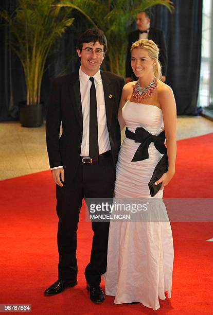 Comedian John Oliver of the Daily Show arrives with an unidentified guest for the 2010 White House Correspondents Dinner May 1 2010 at a hotel in...