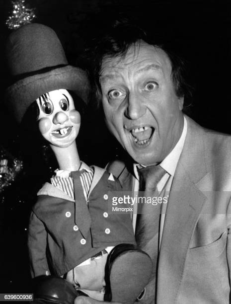 Comedian Ken Dodd with his Diddy Man Dicky Mint at Whitley Bay Playhouse on 9th December 1989