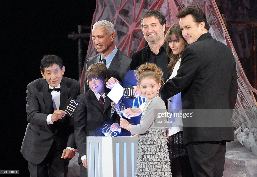 """2012"" Japan Premiere : News Photo"