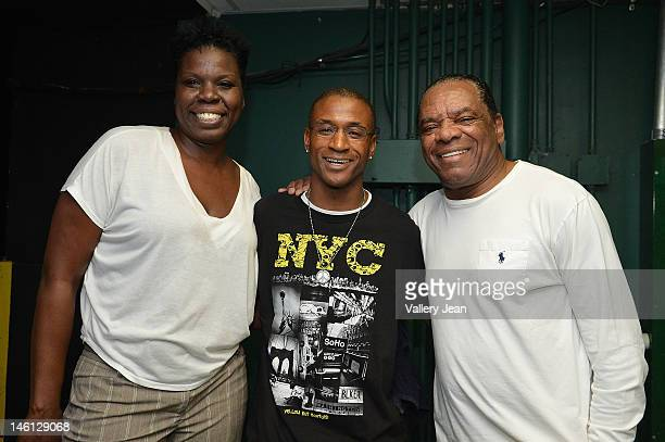 """Comedian Leslie """"Big Les"""" Jones, actor/comedian Tommy Davidson and John Witherspoon backstage during the 5th Annual Memorial Weekend Comedy Festival..."""