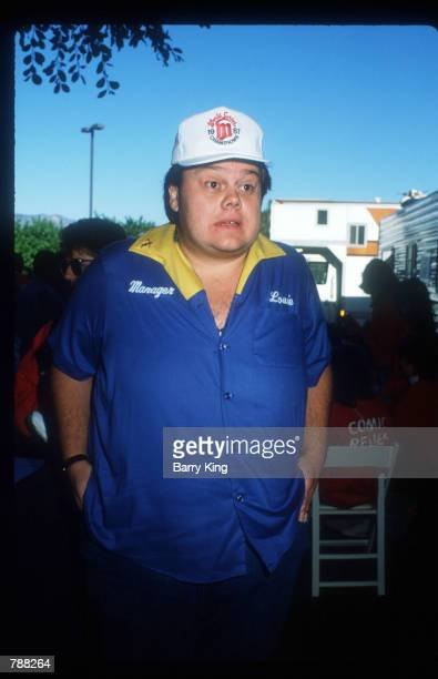 Comedian Louie Anderson attends a Comic Relief Benefit November 14 1987 in Los Angeles CA Anderson is an actor and has starred in numerous television...