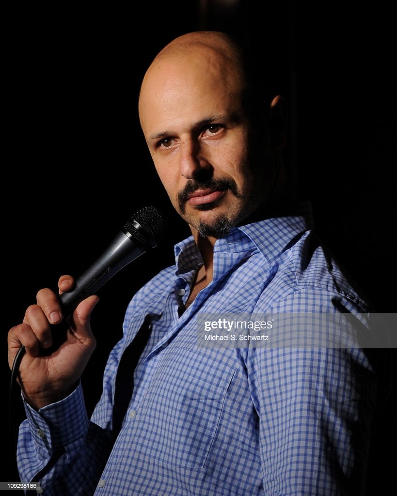 comedian maz jobrani performs at the ice houseの写真およびイメージ