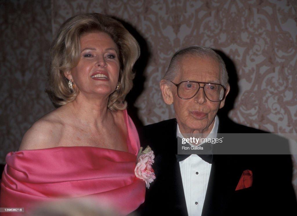 """G and P Charitable Foundation Gala Honoring Milton Berle"" : ニュース写真"