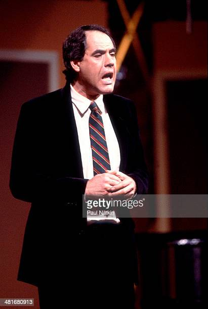 Comedian Robert Klein performs onstage, Chicago, Illinois, March 5, 1985.
