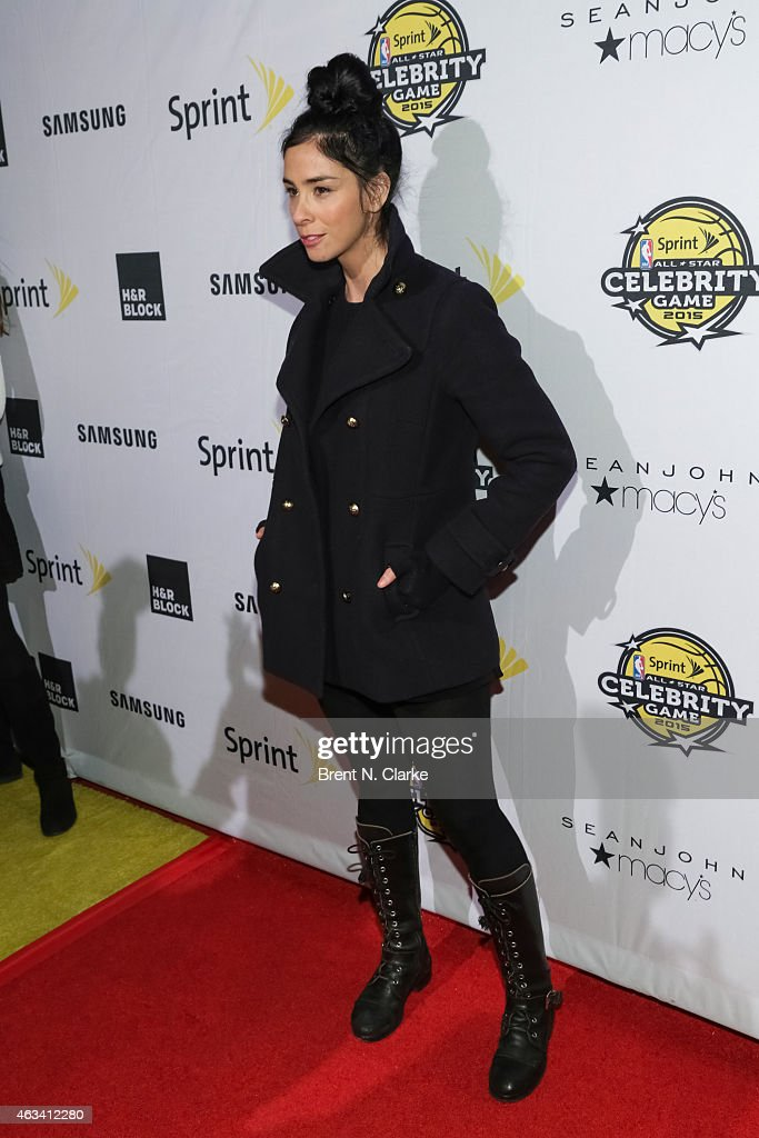 Comedian Sarah Silverman arrives for the NBA All-Star Celebrity Basketball Game 2015 at Madison Square Garden on February 13, 2015 in New York City.