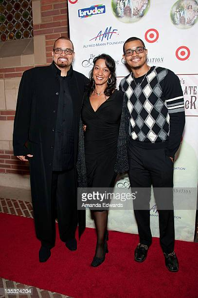 Comedian Sinbad his wife Meredith Fuller Adkins and their son Royce Adkins arrive at Debbie Allen's 2nd Annual The Hot Chocolate Nutcracker at Royce...