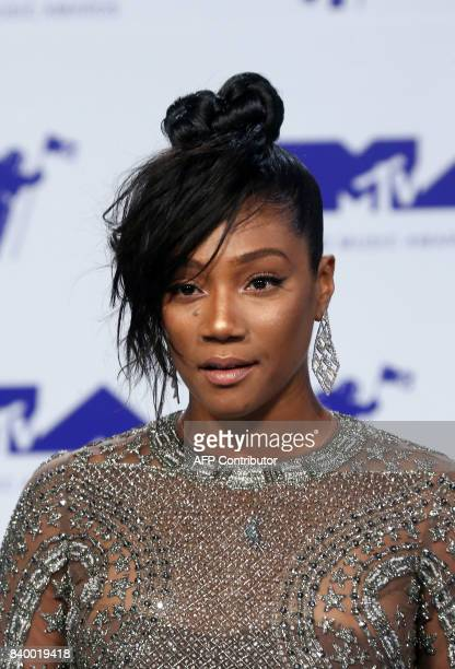 Comedian Tiffany Haddish arrives at the MTV Video Music Awards 2017 in Inglewood California on August 27 2017 / AFP PHOTO / TOMMASO BODDI