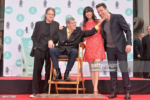 Comedians Richard Lewis Jerry Lewis actress Illeana Douglas and comedian Dane Cook attends the Jerry Lewis Hand and Footprint Ceremony at TCL Chinese...