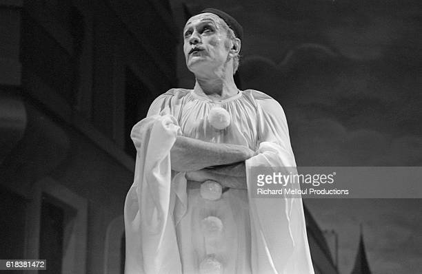 Comedic actor Robert Hirsch performs in Deburau a play by Sacha Guitry at the Theatre Edouard VII in Paris in 1980 It is directed by Jacques Rosny...