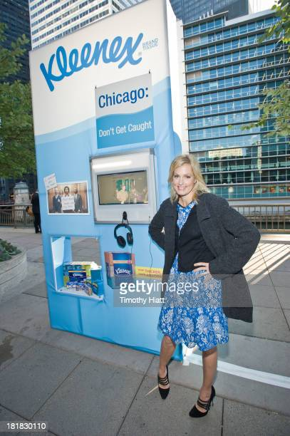 Comedienne and mom Ali Wentworth teamed up with Kleenex brand to talk to Chicagoans about cold and flu preparation at the Kleenex Brand Checkpoint...