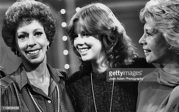 Comedienne Carol Burnett and her daughter Carrie Hamilton join Dinah Shore for the taping of the 'Dinah and Friends' show on October 23 1979 in Los...