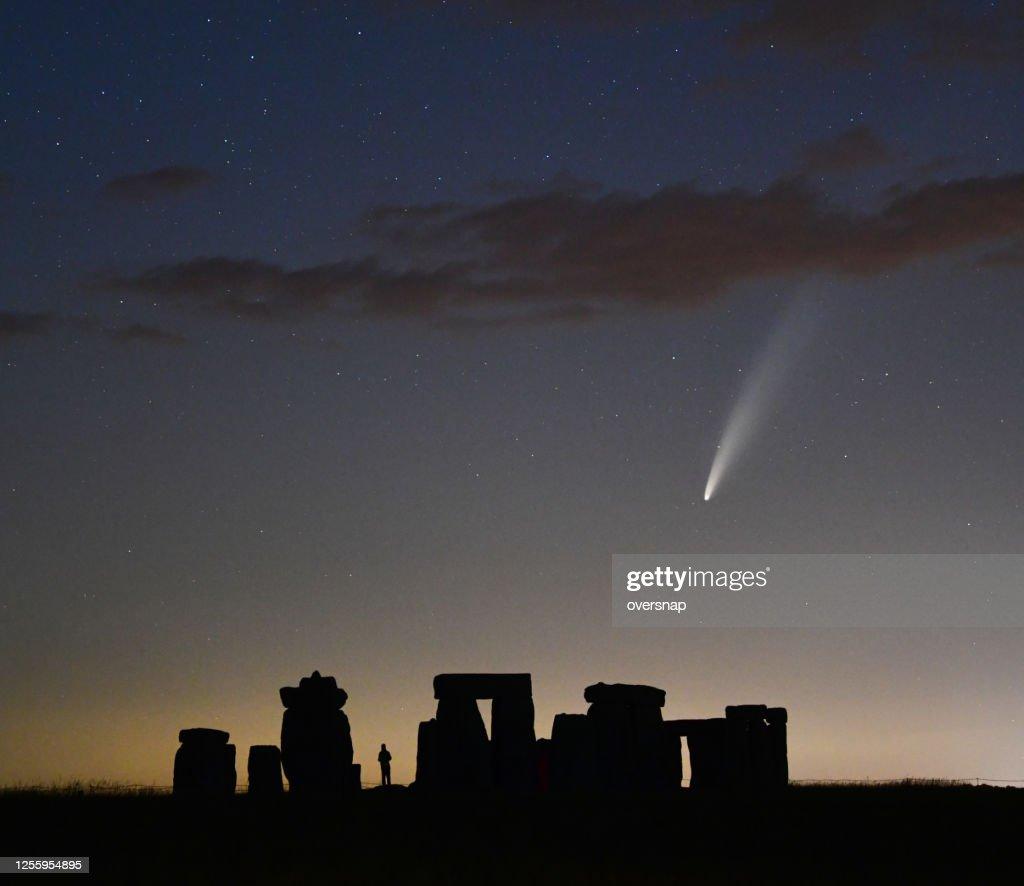 Comet Neowise  over Stonehenge : Stock Photo