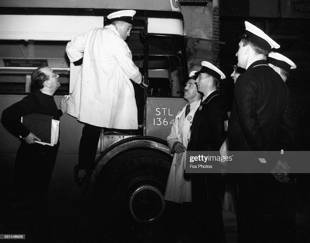 Gordon Harker And Maurice Elvey : News Photo