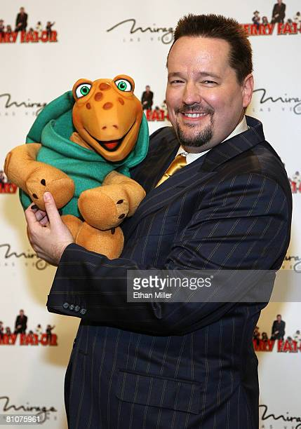 Comic ventriloquist and impressionist Terry Fator holds his puppet Winston during a news conference to introduce him as the new resident headliner at...