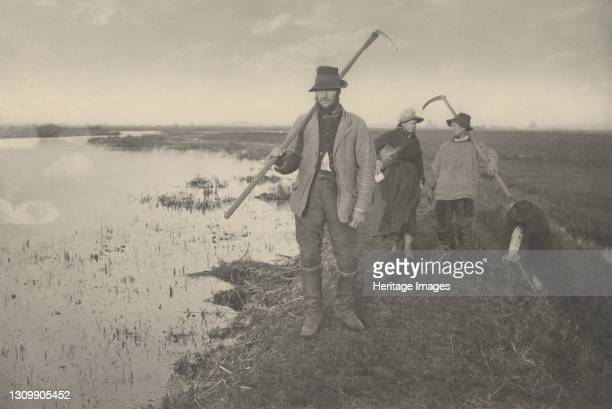 Coming Home from the Marshes, 1886. Artist Dr Peter Henry Emerson, Thomas Frederick Goodall. .
