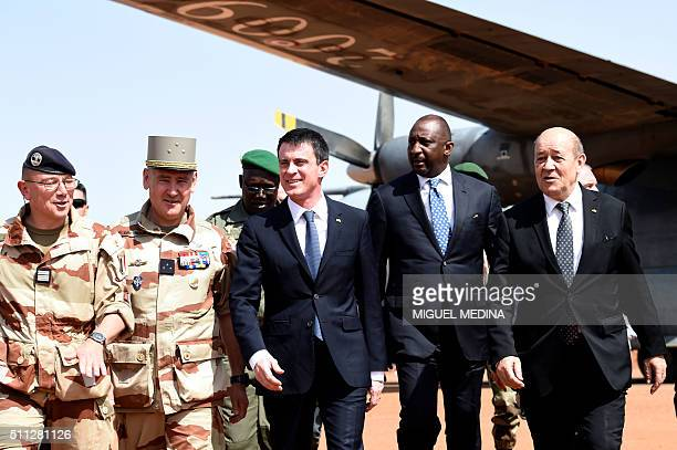 Commander of the Barkhane operation General Patrick Brethous , French Prime Minister Manuel Valls , Malian Defence Minister Tieman Hubert Coulibaly...