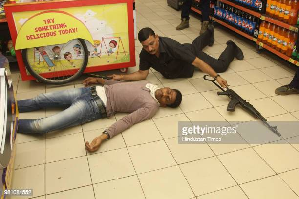 Commandoes Quick Response Team and Thane police conducted a mock drill to check their preparedness for handling a terror attack at Mall and Thane GB...