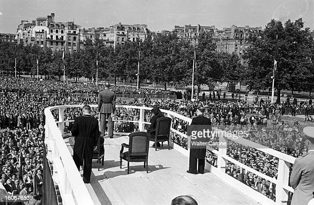Commemorations Of Appeal Of 18 Juin 1940: Ceremonies And Communists And Gaullists Demonstrations. Paris, 18 juin 1949 : les cérémonies commémorant...