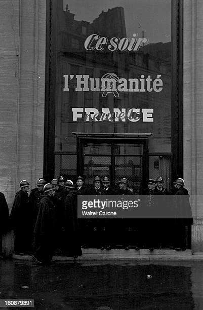 Commemorations Of Appeal Of 18 Juin 1940: Demonstrations In Front Of The Newspaper 'l'humanite' Office. Paris, 18 juin 1949 : les cérémonies...