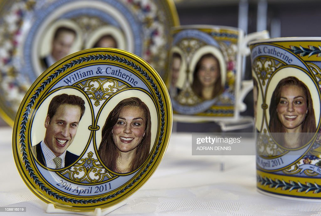 Commemorative royal wedding memorabilia : Nachrichtenfoto