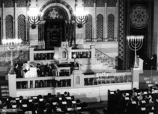 Commemorative service in the Rykestrasse synagogue in Berlin on occasion of the anniversary of the Warsaw Ghetto Uprising in 1943 The chairman of the...