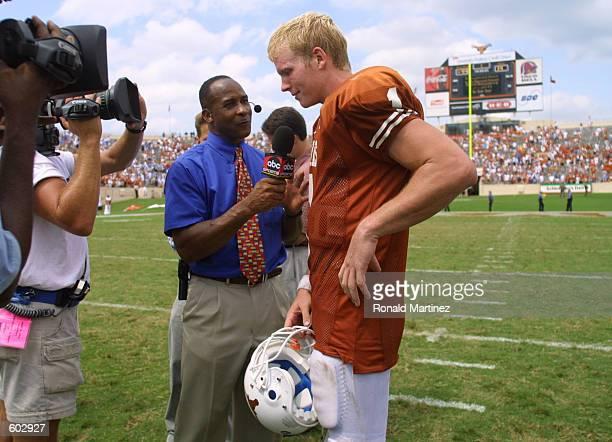 Commentator Lynn Swann interviews Texas Longhorns quarterback Chris Simms after beating the North Carolina Tarheels 4414 at RoyalTexas Memorial...